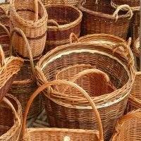 Корзины для овощей и фруктов из ивовых прутьев (лозы).